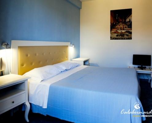 Calabernardo Resort camera matrimoniale